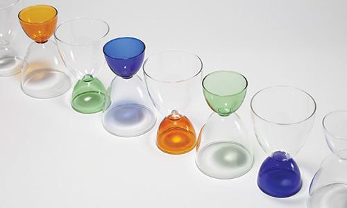 wine glasses on a diagonal